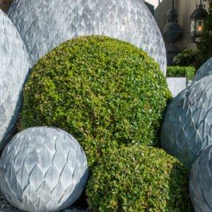 Vackra-skulpturer-for-din-uteplats-fran-Vansta-Tradgard