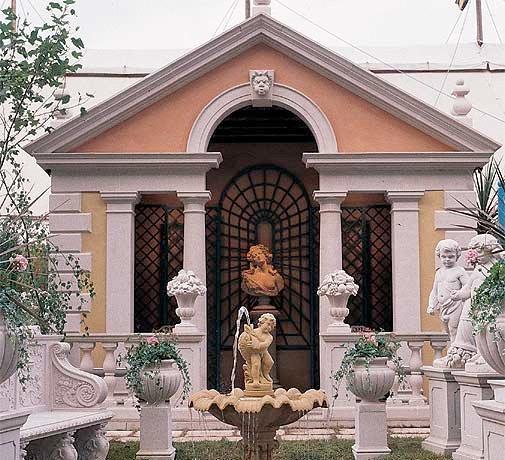 Tempel och paviljonger