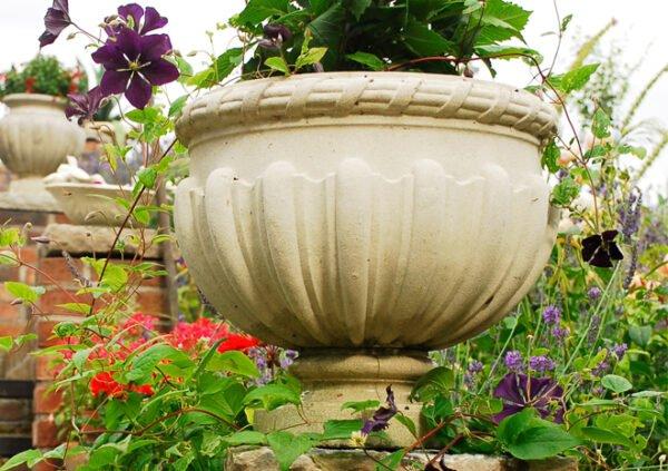 Sheraton-Vase