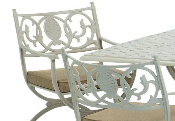 Vackert-utsmyckade-utomhusstolar-I-oslagbar-kvalitet-fran-Vansta-Tradgard