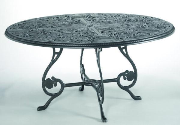 Magnifikt-bord-perfekt-for-din-uteplats-i-oslagbar-kvalitet-fran-Vansta-Tradgard