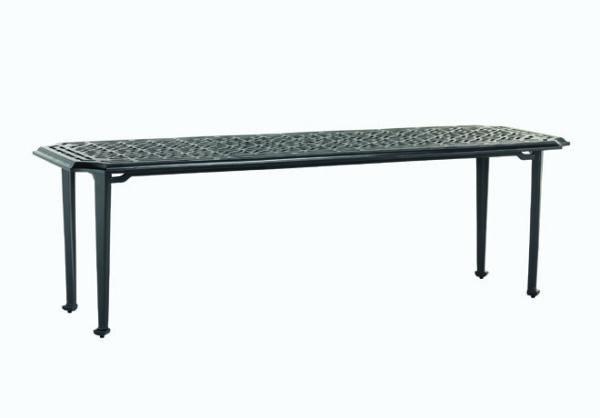 Stilrent-bord-i-pulverlackerad-aluminium-fran-Vansta-Tradgard