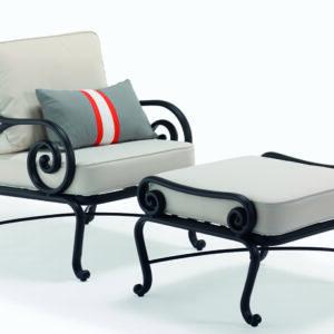 Elegant-lanstol-for-din-uteplats--gjuten-av-pulverlackerad-aluminium-fran-Vansta-Tradgard