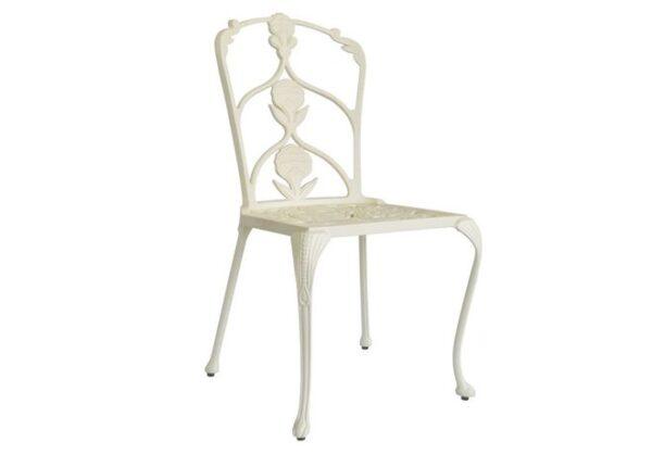Elegant-tradgardsstol-av-hogsta-mojliga-kvalitet-fran-Vansta-Tradgard