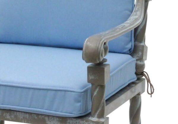 Elegant-och-stilren-stol-for-din-uteplats-fran-Vansta-Tradgard