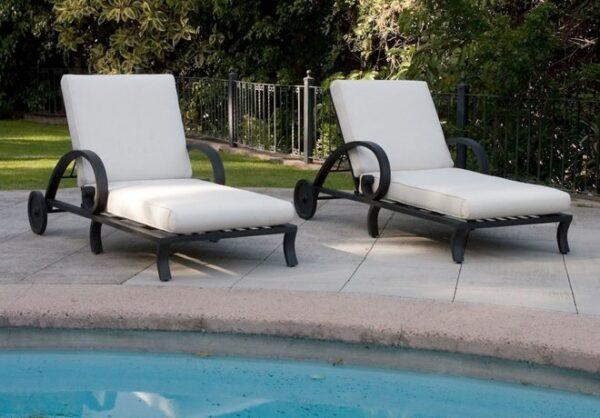 Poolmobler-med-stil-och-elegans-i-oslagbar-kvalitet-fran-Vansta-Tradgard