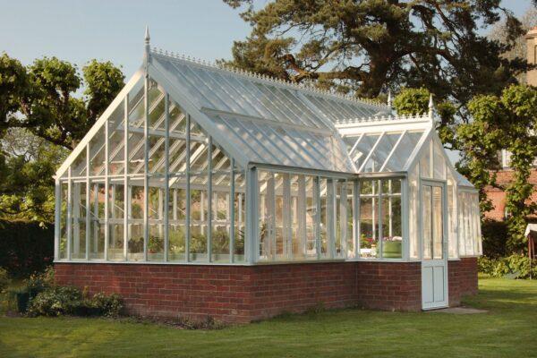 English victorian greenhouse _ the Botanic Manor