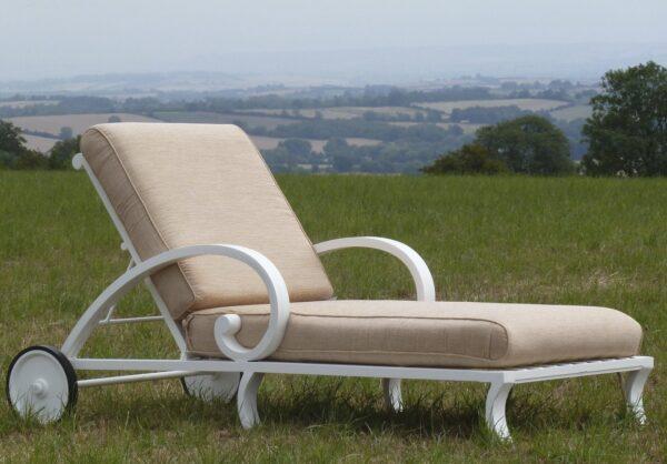 centurian liggstol med tyg från sunbrellatyg_vansta trädgård