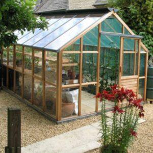 Klassiskt växthus i cederträ