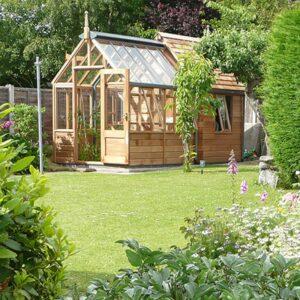 trädgårdsförråd i cederträ